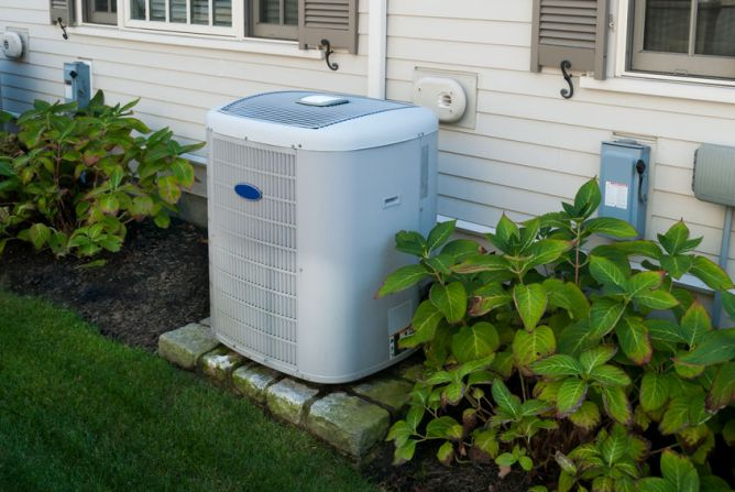 Spring Air Conditioner Checkup: 8-Step Checklist