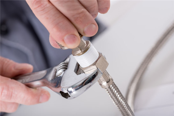 Stop Leaks Now With Emergency Plumbing Services
