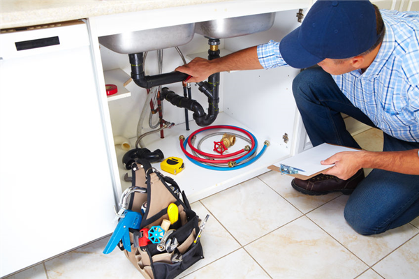 6 Temporary Plumbing Fixes That Waste Money